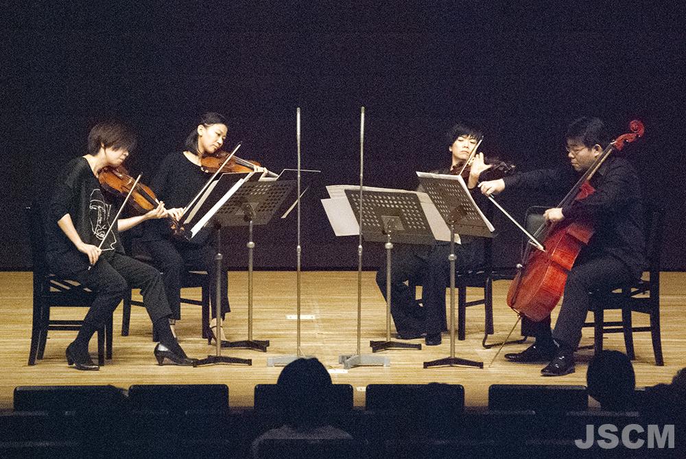 左から、甲斐史子(ヴァイオリン)松岡麻衣子(ヴァイオリン)般若佳子(ヴィオラ)宮坂拡志(チェロ)
