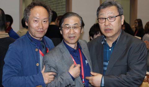 左からISCM韓国支部会長 Seungwoo Paik(大会会長)、嶋津武仁(韓国支部主催会食会にて/2016.3.31)